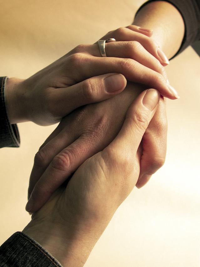 hands-1528222-639x852